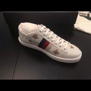 56028f96a4e Gucci Shoes - Gucci Ace Sneaker with Bees   Stars NEW